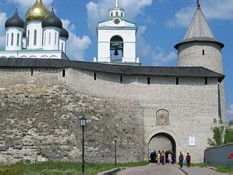 Photos of ancient Towers in Russian Pskov city